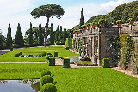 cn_image_1.size.pope-francis-vatican-garden-01-giardini-del-belvedere-h545